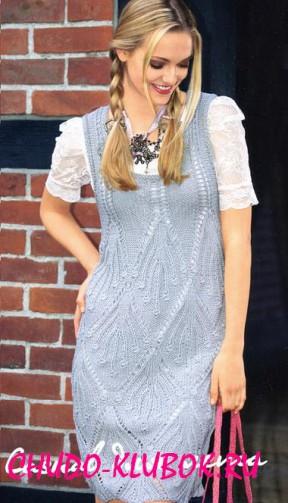 вязаное серое платье спицами